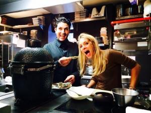 Amasauce et Akrame Benallal dans les cuisines du restaurant Akrame