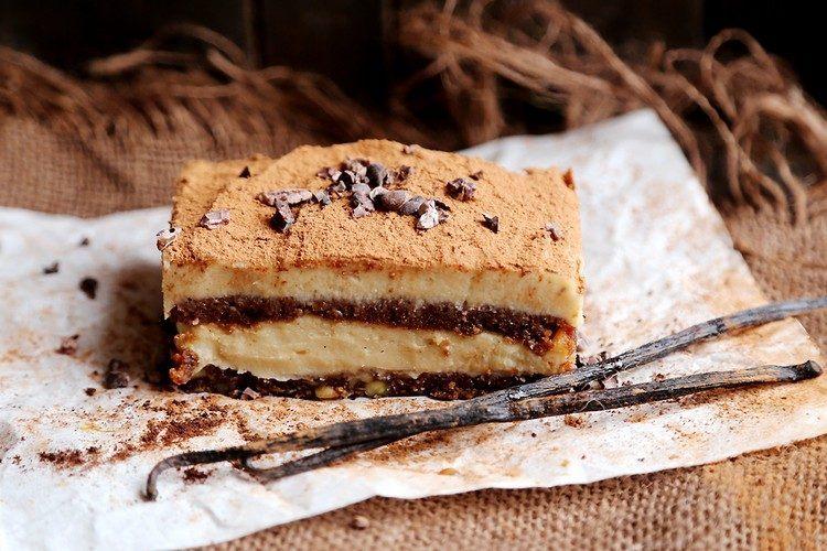 tiramisu-sans-mascarpone-oeufs-vegan-vanille-déco