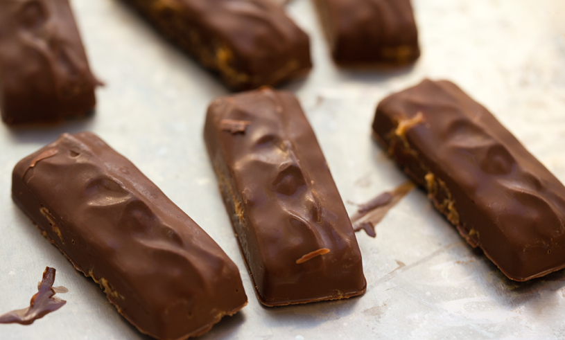 2015_08_15_breakfast-bars-vegan_9999_25vegan-snickers1313vegan-candy